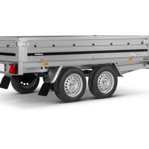 Brenderup Trailer 3251 stub 750 kg. En lækker 2 akslet trailer med stål sider og kraftig træbund.